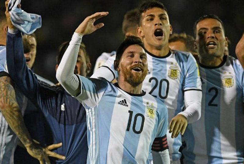 https: img-k.okeinfo.net content 2017 12 07 51 1826637 messi-ngebet-persembahkan-trofi-piala-dunia-untuk-argentina-9QjYyzFgcm.jpg