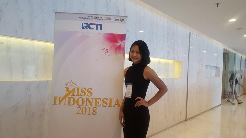 https: img-k.okeinfo.net content 2017 12 16 194 1831354 peserta-audisi-miss-indonesia-2018-gelombang-2-terbukti-cerdas-cerdas-dLg2kGoBkv.jpg