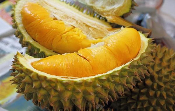https: img-k.okeinfo.net content 2017 12 21 298 1833970 makan-durian-plus-minuman-bersoda-bisa-menyebabkan-kematian-benarkah-zTpoiIHmRN.jpg