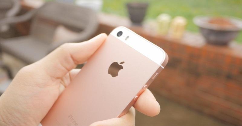 https: img-k.okeinfo.net content 2017 12 23 207 1835009 gara-gara-iphone-lemot-apple-digugat-banyak-pengguna-WmrXLvUSTl.jpg