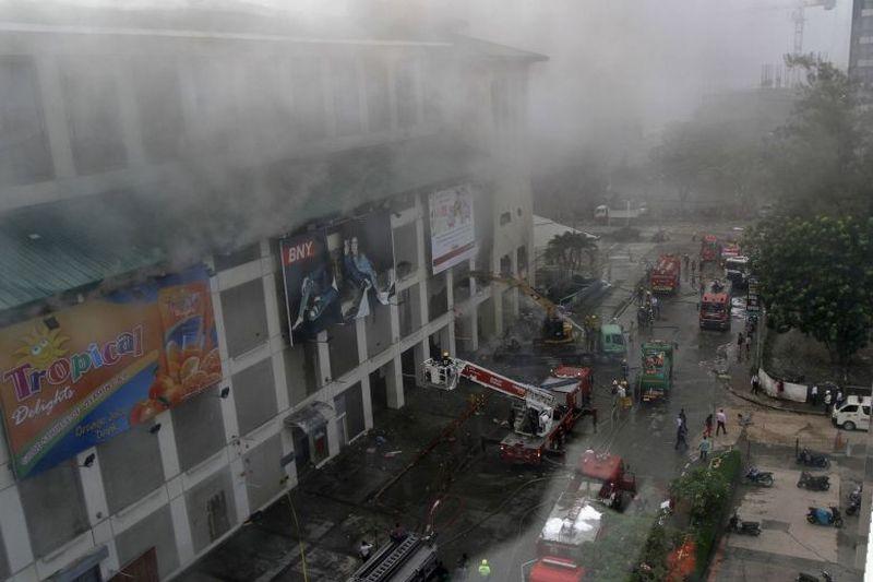 https: img-k.okeinfo.net content 2018 01 07 18 1841382 lagi-sebuah-mal-di-filipina-dilanda-kebakaran-zy2YeSGoIh.jpg