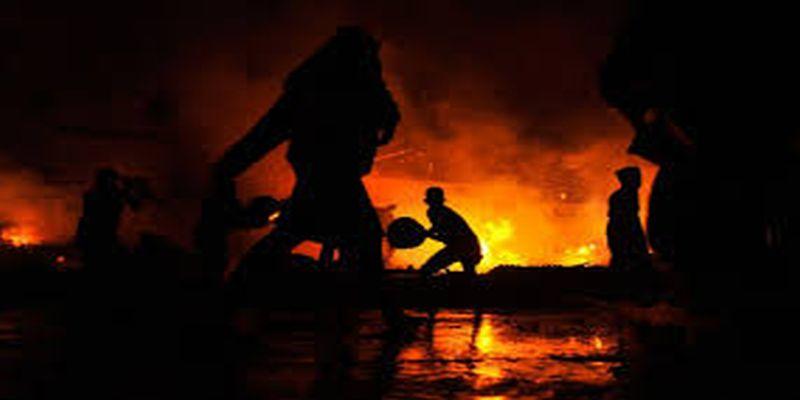 https: img-k.okeinfo.net content 2018 01 07 338 1841262 permukiman-padat-di-kemayoran-terbakar-damkar-penyebabnya-karena-korsleting-65ruMTJ3ow.jpg