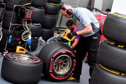 https: img-k.okeinfo.net content 2018 01 07 37 1841398 horner-sambut-positif-ban-baru-pirelli-musim-2018-79dPSqMOVe.jpg