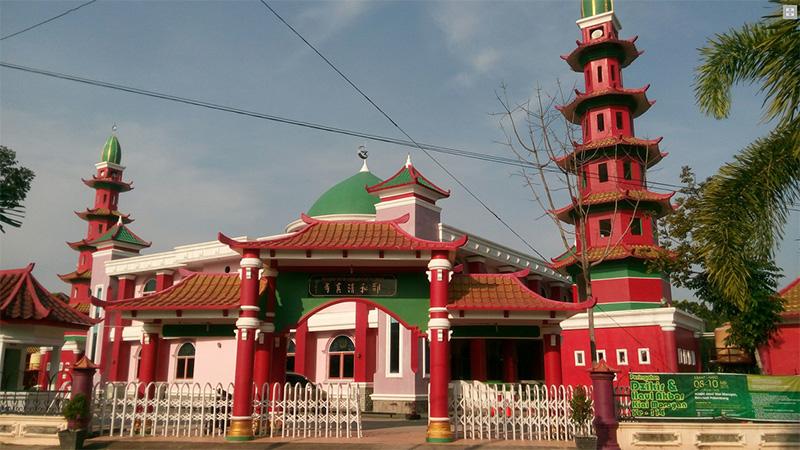 https: img-k.okeinfo.net content 2018 01 09 406 1842122 masjid-cheng-hoo-destinasi-wisata-religi-di-palembang-x6vwtDmkTM.jpg