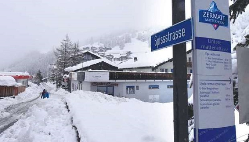 https: img-k.okeinfo.net content 2018 01 10 406 1843125 13-000-turis-terjebak-di-kawasan-pegunungan-alpen-akibat-hujan-salju-yang-lebat-Xe81McQJCk.jpg