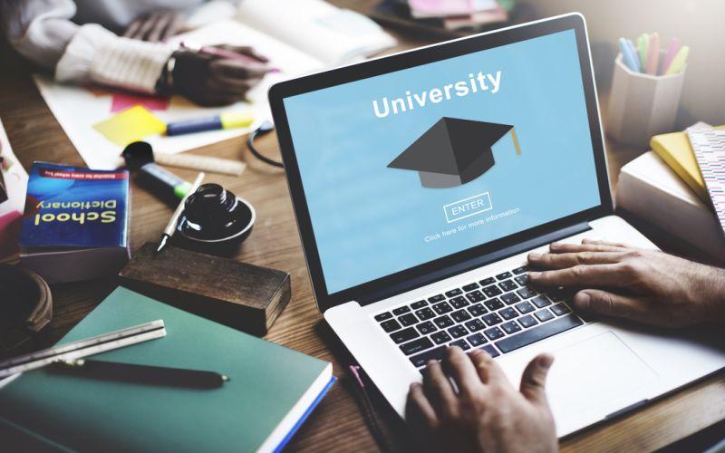 https: img-k.okeinfo.net content 2018 01 10 65 1842755 institut-dan-sekolah-tinggi-swasta-didorong-untuk-merger-jadi-universitas-eZy4t22Q0g.jpg