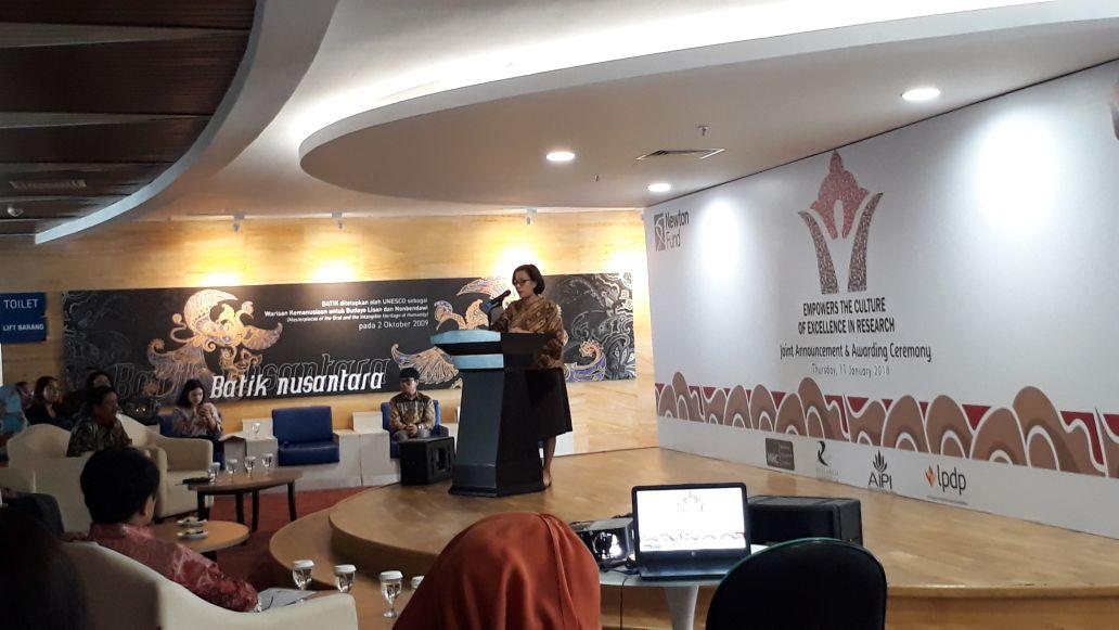 https: img-k.okeinfo.net content 2018 01 11 20 1843503 sri-mulyani-dukung-pembiayaan-11-riset-rp100-miliar-SEWJQOnkRR.jpg