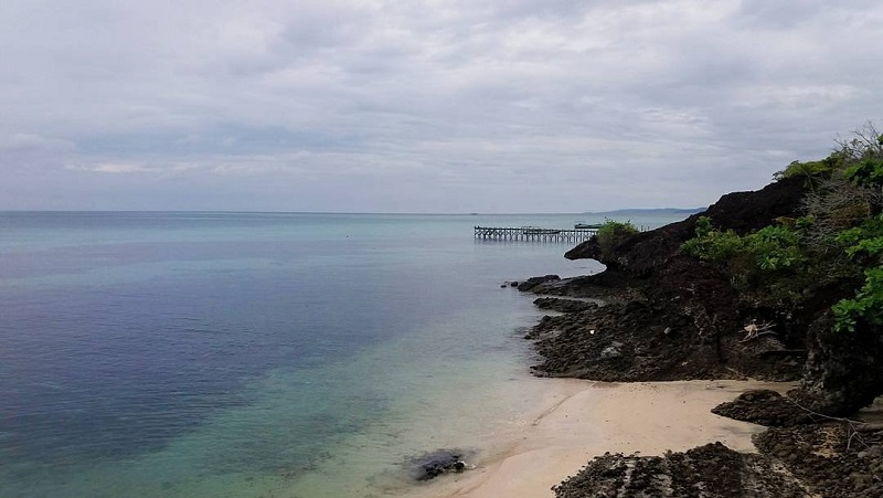 https: img-k.okeinfo.net content 2018 01 11 406 1843477 pulau-liangliang-pantai-curam-berbatu-yang-memikat-di-sulawesi-selatan-YjNdtNtjN9.jpg