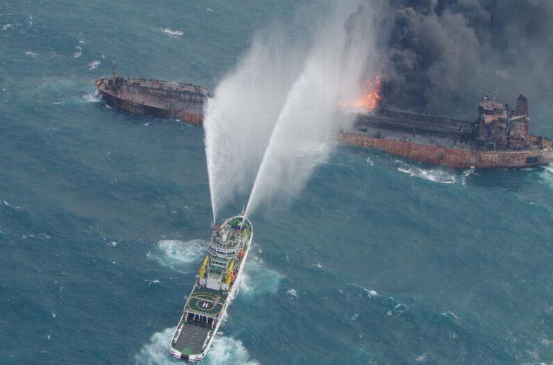 https: img-k.okeinfo.net content 2018 01 13 18 1844494 otoritas-china-temukan-2-jasad-di-kapal-tanker-yang-masih-terbakar-RXgfz29zMo.jpg