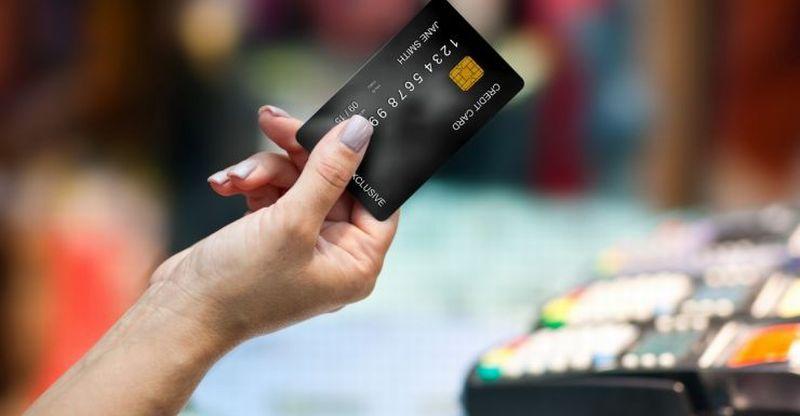 https: img-k.okeinfo.net content 2018 01 13 320 1844609 sikap-keliru-pengguna-kartu-kredit-yang-umum-dilakukan-7SpgcsNk1n.jpg