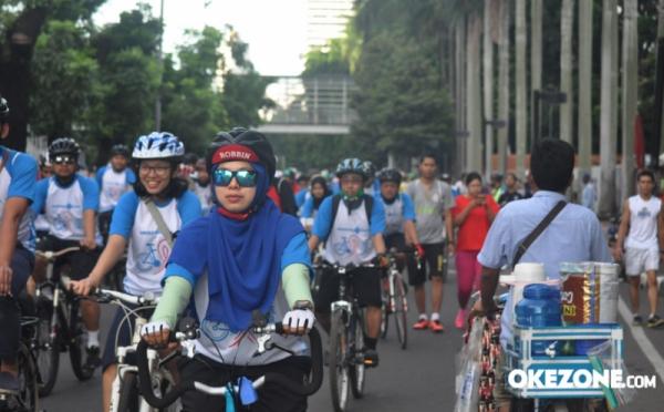 https: img-k.okeinfo.net content 2018 01 14 340 1844758 galang-calon-barisan-indonesia-muda-perindo-agam-dan-llc-gelar-sepeda-fun-bike-JqdogF74mv.jpg
