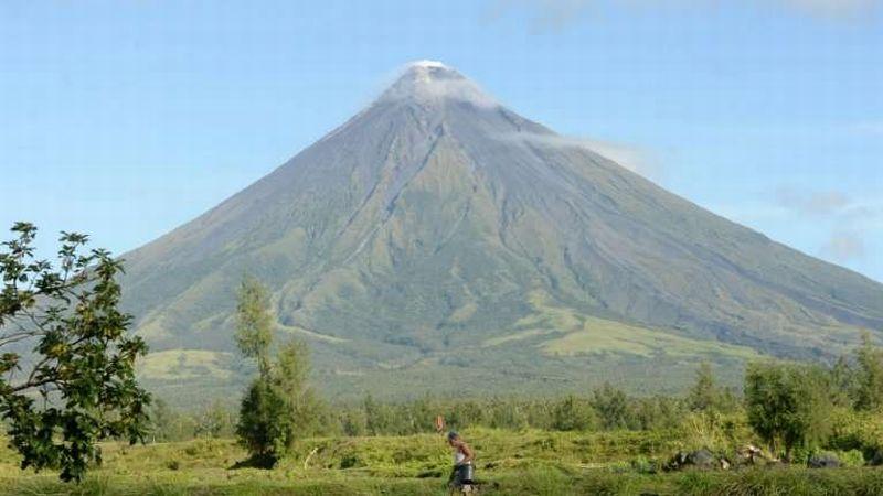 https: img-k.okeinfo.net content 2018 01 15 18 1845071 gunung-mayon-di-filipina-akan-timbulkan-letusan-bahaya-dalam-beberapa-hari-TdBEAwwEOZ.jpg