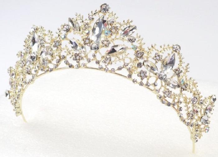 https: img-k.okeinfo.net content 2018 01 16 194 1845806 cantik-5-tiara-mewah-yang-terinspirasi-dari-disney-princess-TBYG5EbWOx.jpg