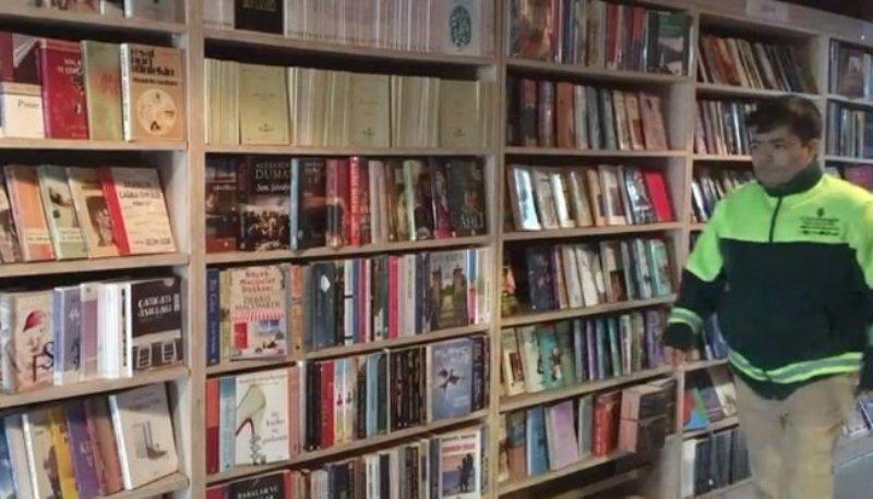 https: img-k.okeinfo.net content 2018 01 20 18 1847917 kisah-tukang-sampah-di-turki-buka-perpustakaan-bermodal-buku-buangan-YHcNBm11yA.jpg