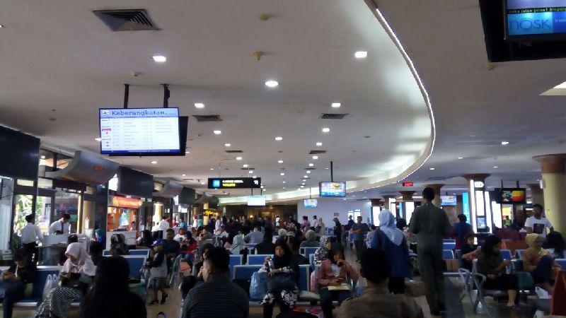 https: img-k.okeinfo.net content 2018 01 27 320 1851032 minimnya-kapasitas-bandara-adi-sutjipto-dorong-pembangunan-bandara-kulon-progo-MQh1T3OKrP.jpg