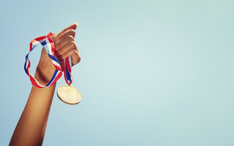 https: img-k.okeinfo.net content 2018 02 08 65 1856500 ciptakan-balsem-dari-kulit-bawang-mahasiswa-unhas-sabet-medali-emas-di-thailand-21ygo2E8aq.jpg