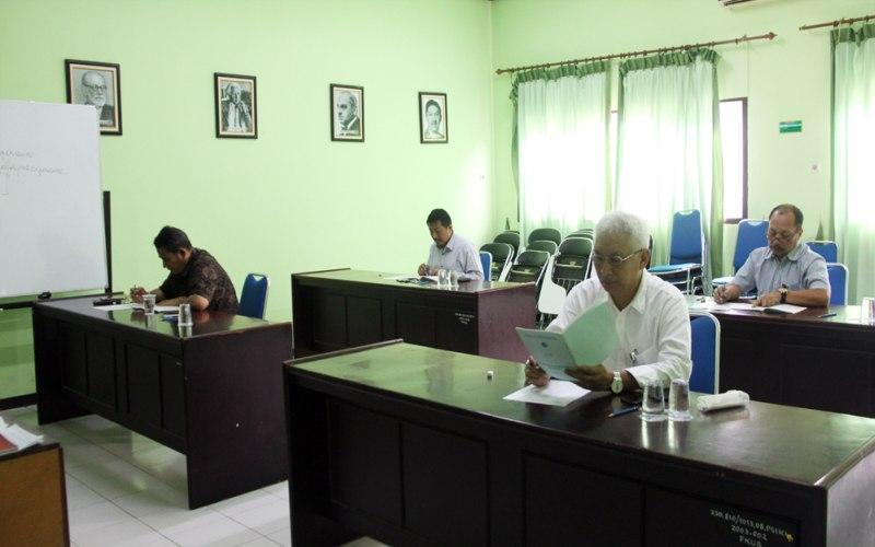 https: img-k.okeinfo.net content 2018 02 08 65 1856781 4-bakal-calon-rektor-universitas-brawijaya-jalani-tes-kesehatan-Fr3BYRxLuO.jpg