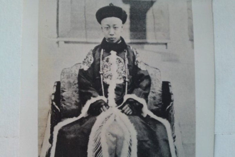 https: img-k.okeinfo.net content 2018 02 11 18 1857937 berakhirnya-dinasti-di-china-akibat-revolusi-sun-yat-sen-naGVi4vKgJ.jpg