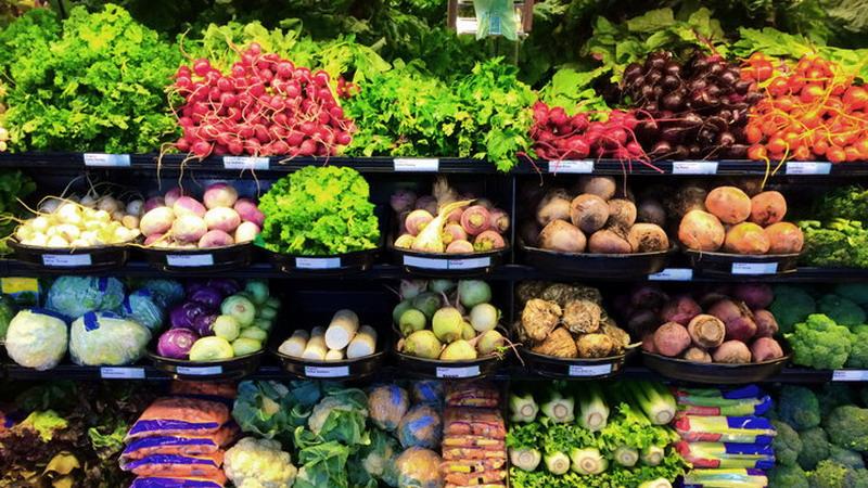 https: img-k.okeinfo.net content 2018 02 12 298 1858531 lewati-penyortiran-ketat-begini-proses-sayuran-layak-dijual-di-pasar-swalayan-XNR6JbLKwQ.jpg