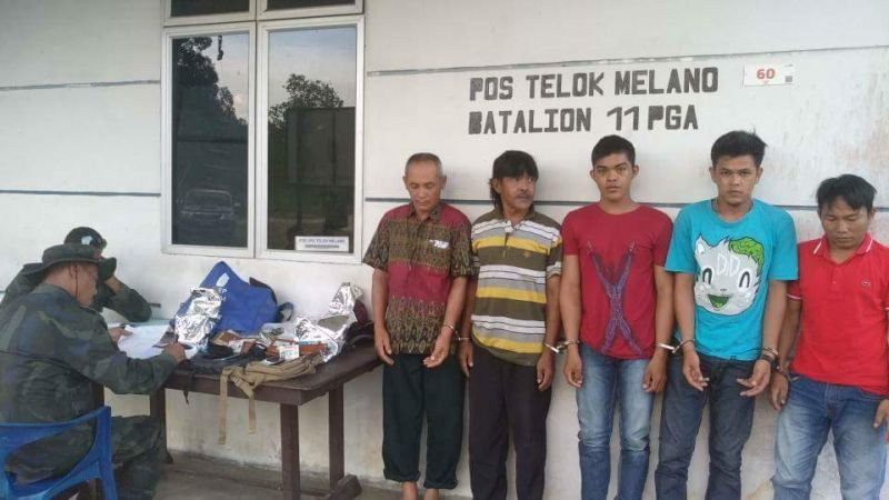 https: img-k.okeinfo.net content 2018 02 17 340 1860751 bawa-5-kg-sabu-lima-warga-kalimantan-barat-ditangkap-polisi-malaysia-avRriCUtsI.jpg