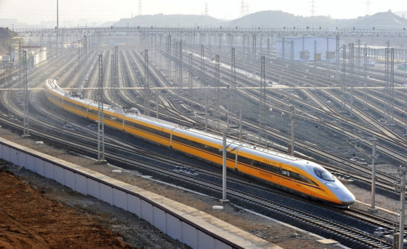 https: img-k.okeinfo.net content 2018 02 20 320 1862268 tren-bisnis-lapangan-kerja-indonesia-hingga-anggaran-kereta-cepat-jakarta-bandung-bengkak-Ceo4YlmtMH.jpg