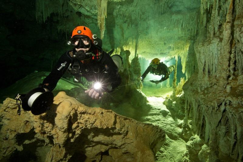 https: img-k.okeinfo.net content 2018 02 21 18 1862527 fosil-manusia-berusia-9-000-tahun-ditemukan-di-gua-besar-meksiko-qSdcuxTLGp.jpg