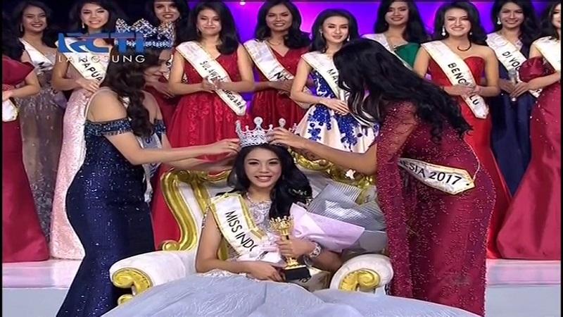 https: img-k.okeinfo.net content 2018 02 23 194 1863528 terpilih-sebagai-miss-indonesia-2018-alya-nurshabrina-rasanya-seperti-mimpi-c8APEsT8ky.jpg