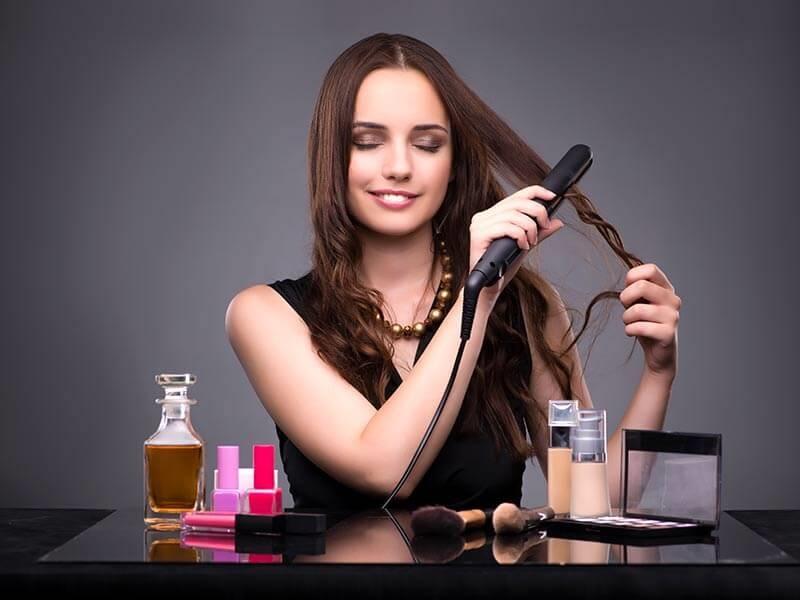 https: img-k.okeinfo.net content 2018 02 28 194 1865847 catokan-rambut-hingga-pelentik-bulu-mata-5-alat-kecantikan-yang-ternyata-berbahaya-wObX2uSzhp.jpg