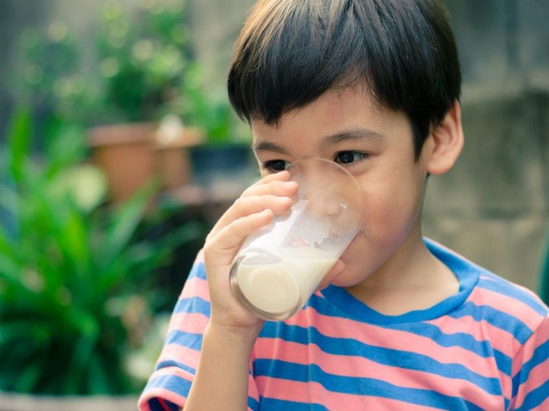 https: img-k.okeinfo.net content 2018 02 28 481 1866167 kaya-nutrisi-benarkah-minum-susu-bantu-tubuh-tumbuh-tinggi-Xg6chlp1Pc.jpg