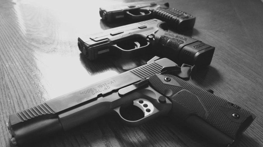 https: img-k.okeinfo.net content 2018 03 01 196 1866576 senjata-senjataan-bolehkah-jadi-mainan-untuk-anak-4FIGQwe5pV.jpg