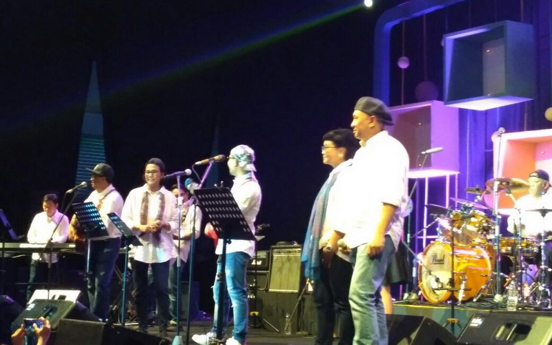 https: img-k.okeinfo.net content 2018 03 03 205 1867350 aksi-menteri-kabinet-kerja-jokowi-gemparkan-panggung-java-jazz-festival-2018-LiPQBB95Ij.jpg