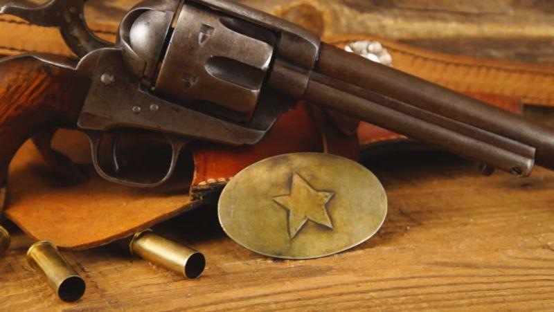 https: img-k.okeinfo.net content 2018 03 05 56 1868003 samuel-colt-pencipta-senjata-revolver-sejak-1873-J8DLLlityS.jpg