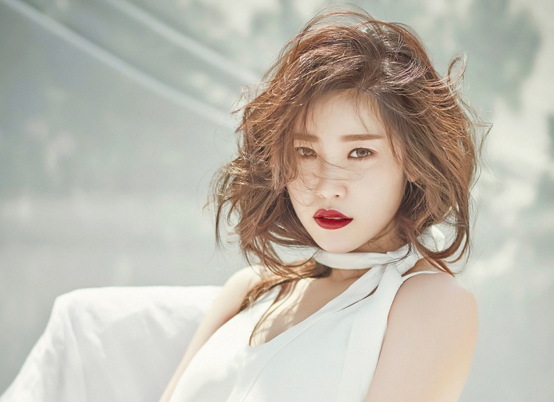 https: img-k.okeinfo.net content 2018 03 06 33 1868813 jung-hyosung-tuntut-ts-entertainment-akibat-pelanggaran-kontrak-kerja-SImAT2Su3L.jpg