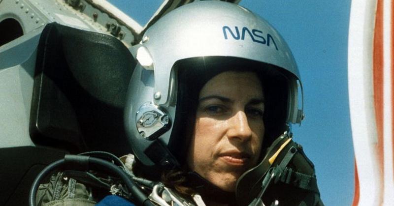 https: img-k.okeinfo.net content 2018 03 09 56 1869999 helen-ochoa-astronot-perempuan-nasa-hampir-1-000-jam-di-luar-angkasa-wHnbrKku60.jpg