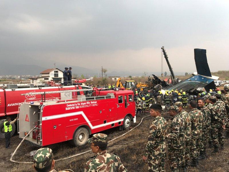 https: img-k.okeinfo.net content 2018 03 12 18 1871633 pesawat-maskapai-bangladesh-jatuh-di-nepal-50-orang-tewas-YkxrVm7n3P.JPG