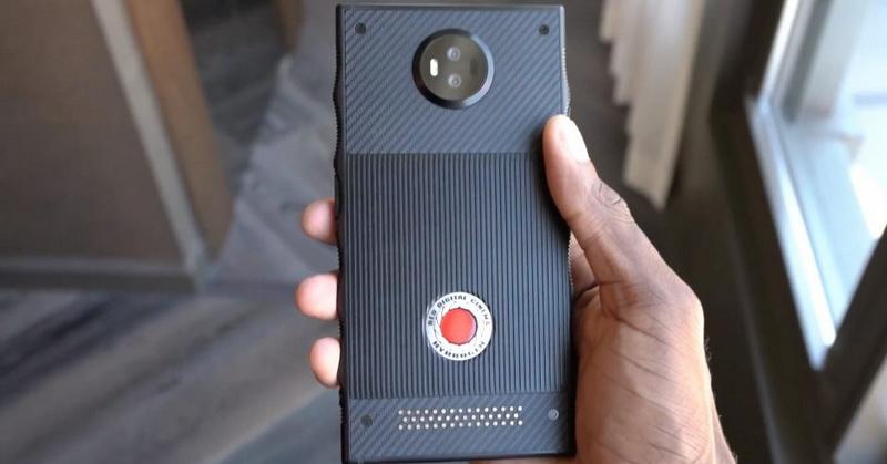 https: img-k.okeinfo.net content 2018 03 12 57 1871646 spesifikasi-smartphone-red-hydrogen-one-hingga-instagram-dan-snapchat-blokir-giphy-9JKpRnngv8.jpg