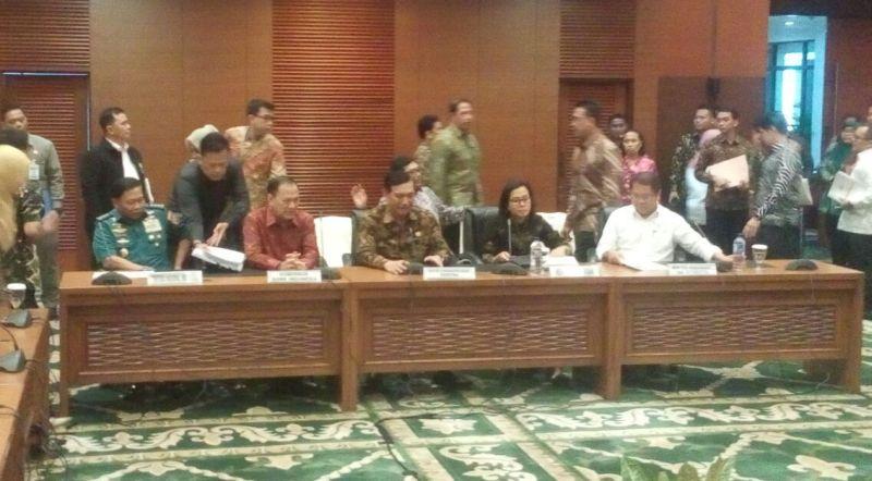 https: img-k.okeinfo.net content 2018 03 13 20 1872204 keuntungan-pertemuan-tahunan-imf-world-bank-di-bali-bagi-indonesia-Rc8rmvyV0R.jpg