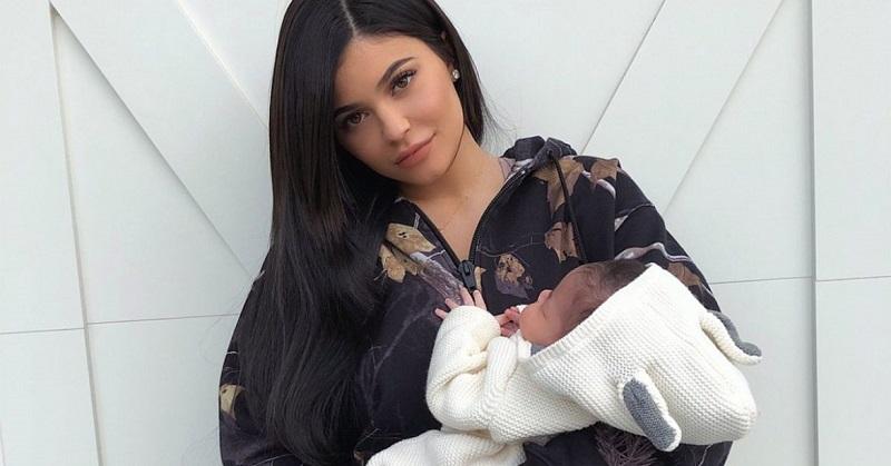 https: img-k.okeinfo.net content 2018 03 13 298 1871998 kylie-jenner-ungkap-makanan-favoritnya-saat-hamil-dan-setelah-melahirkan-zs1arZcmq9.jpg