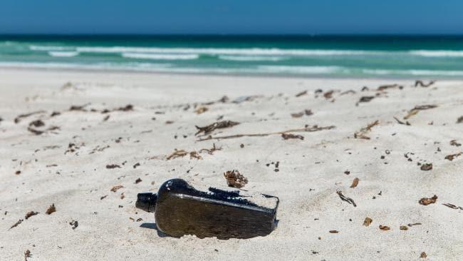 https: img-k.okeinfo.net content 2018 03 13 406 1872259 botol-berisi-pesan-ratusan-tahun-ditemukan-di-pulau-wedge-australia-sY0c3h7G30.jpg