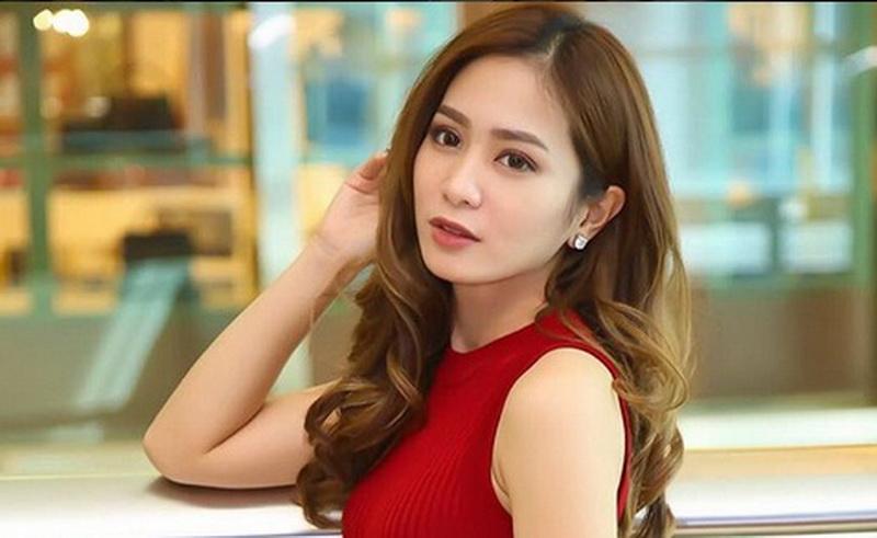 https: img-k.okeinfo.net content 2018 03 15 33 1872967 giliran-bunga-zainal-yang-emosi-karena-nyinyir-netizen-BnFan7p4aX.JPG