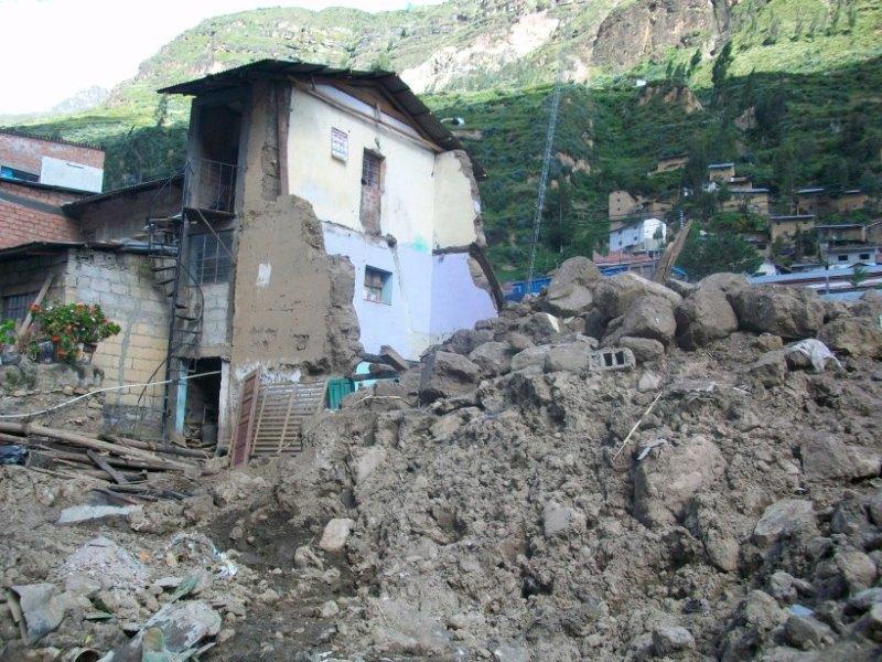https: img-k.okeinfo.net content 2018 03 18 18 1874521 gempa-kecil-sebabkan-kehancuran-satu-kota-di-peru-DUZek19wHa.jpg