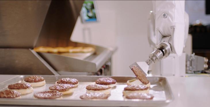 https: img-k.okeinfo.net content 2018 03 21 298 1876076 baru-kerja-sehari-robot-pembuat-burger-malah-dipecat-sEPb8GttK2.png