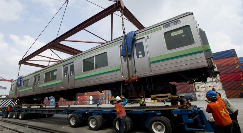 https: img-k.okeinfo.net content 2018 03 23 320 1876871 inka-pasok-150-lokomotif-untuk-perusahaan-kereta-thailand-GDK61SMPd3.jpg