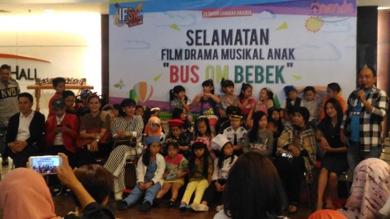 https: img-k.okeinfo.net content 2018 03 28 206 1879285 drama-musikal-bus-om-bebek-bakal-jadi-tontonan-seru-anak-anak-indonesia-LnXDmAuA3K.JPG