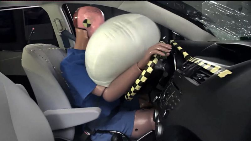 https: img-k.okeinfo.net content 2018 03 29 15 1879453 tahukah-anda-ternyata-airbag-mobil-sudah-ada-sejak-1950-an-Zwlc2tRJYk.jpg