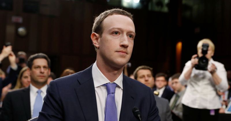 https: img-k.okeinfo.net content 2018 04 11 207 1885114 sidang-5-jam-mark-zuckerberg-dicecar-habis-habisan-oleh-para-senator-as-KjTk1znpQQ.jpg