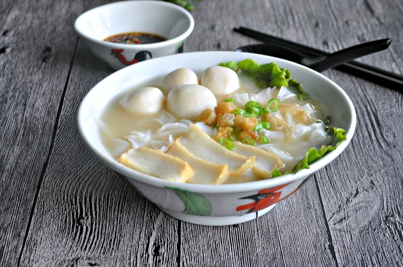 https: img-k.okeinfo.net content 2018 04 11 298 1885135 2-rekomendasi-menu-sarapan-sehat-sup-bakso-ikan-dan-tahu-telur-petis-ZQZuHNEwoC.jpg
