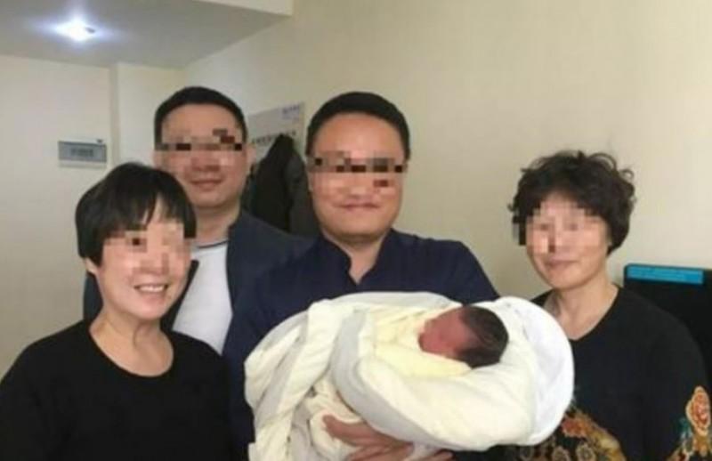 https: img-k.okeinfo.net content 2018 04 12 18 1885582 bayi-di-china-lahir-4-tahun-setelah-orangtuanya-meninggal-20MfyTj4ds.jpg
