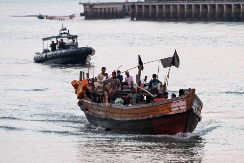https: img-k.okeinfo.net content 2018 04 14 18 1886700 malaysia-akan-kedatangan-70-pengungsi-rohingya-lewat-jalur-laut-cdWe425dhb.jpg