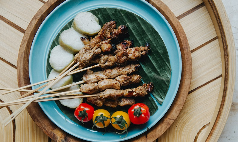 https: img-k.okeinfo.net content 2018 04 14 298 1886629 kemenpar-ubud-bisa-jadi-destinasi-gastronomi-bestandar-unwto-57d8dN9TqB.jpg
